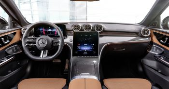 Mercedes-Benz C-Klasse, 2021, Selenitgrau magno, Leder zweifarbig Sienabraun/Schwarz. Interieur // Mercedes-Benz C-Class, 2021, selenite grey magno, siena brown/black leather. Interior